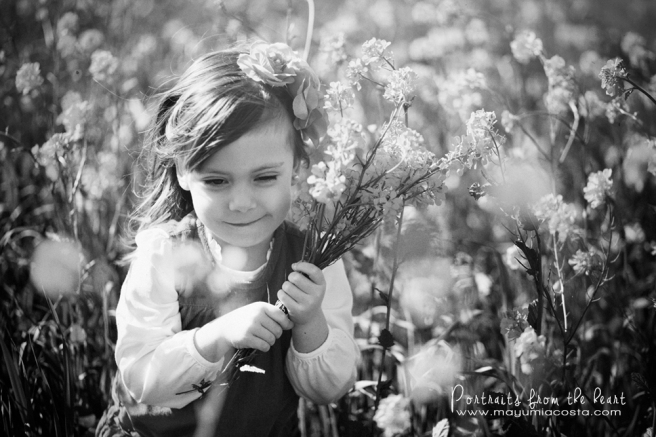 Children photography Sacramento CA, family photographer Sacramento CA, Photography for kids in Sacramento CA, Photographer Sacramento CA, Children Photography in Sacramento CA, Wild mustard portrait, Spring portraits for children, Photography sacramento ca